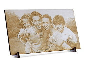 Image of wood with personal photo-engraving