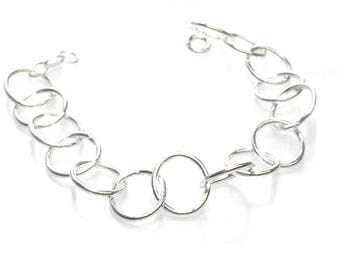 Contemporary Design Linked Chain Bracelet
