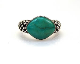Sterling Silver Cabochon Shape Turquoise Unique Design Ring