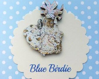 Hunca munca brooch Beatrix Potter jewelry badge wooden hunca munca badge Peter rabbit jewellery mouse vintage book gift