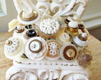 """Vintage Button Bouquet: """"Bride's Wedding Day"""""""