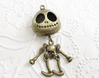 Skeleton Pendant, Halloween Skeleton, Bronze Skeleton, BPC014