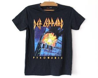 Vintage Def Leppard Shirt, Def Leppard Piromania T-shirt, Concert Tour Tee, Metal Band Tshirt Size M, Band T Shirt, Rock Heavy Metal Tee