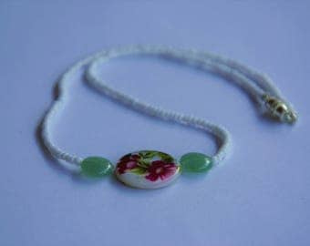 White and Green Floral Beaded Necklace