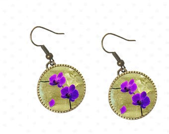 Resin cabochons purple pansies flowers earrings