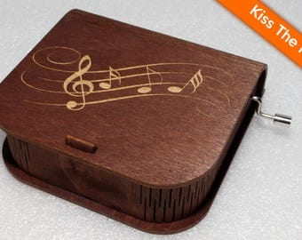 "Engraved Wooden Music Box  ""Kiss The Rain"" - Hand Crank Movement"