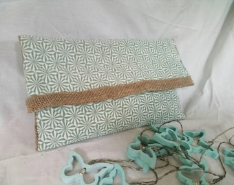 Reversible pouch!