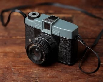 Stellar Plastic Medium Format Camera