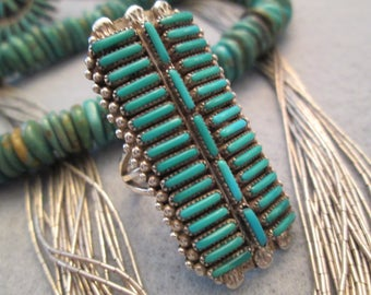 Large and Gorgeous>>Old Pawn ZUNI Handcrafted Sterling & Turquoise Ring> Beautiful Needlepoint Design Work> Excellent Condition