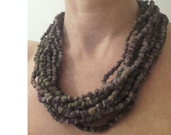 knotted strands necklace