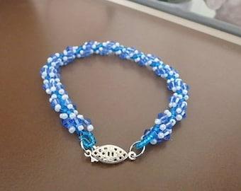 Blue & White Spiral Beaded Bracelet.