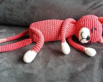 Crochet hug, red cat