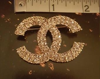 shimmering pale goldish CRYSTAL Brooch Pin
