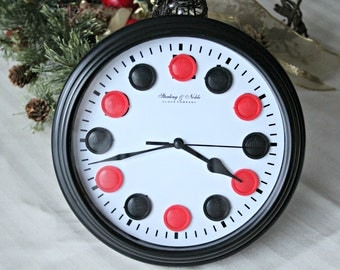 Red and Black Checkers 8.5 Inch Round Battery Quartz Clock Time Bar Game Room