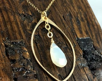 Gold Leaf Shaped Gemstone Pendant Chain Necklace with Pearl Chalcedony Stone Drop / Gold fill/ Wedding Jewelry / Hammered Metal / Delicate