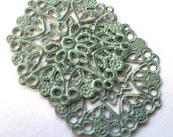 VIntage filigree (2)  findings metal sea foam green  verdigris lace round bendable large stampings 35mm (2)