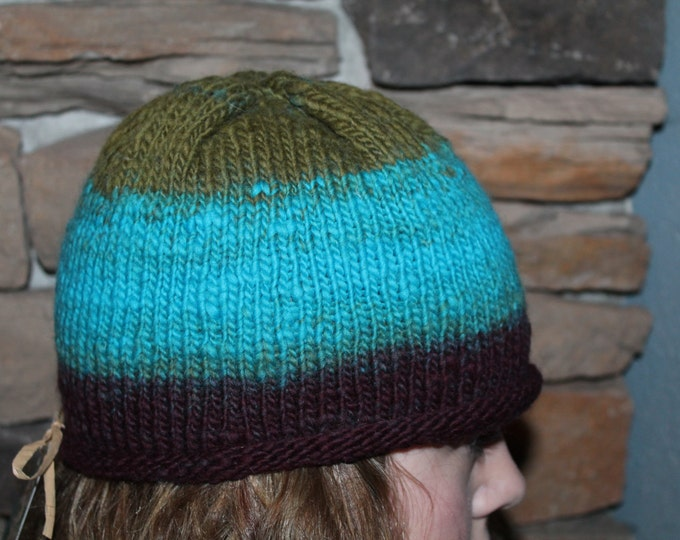 Hand Knit Merino Wool hat.  Super warm and soft.  Adult Small.