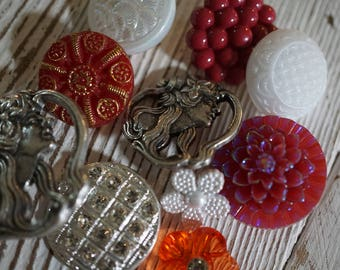 Silver & Red Button Set