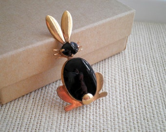 Vintage / Antique Bunny Rabbit Brooch - Black Onyx Stone & 1/20 12k Gold Filled WRE Woodland Rabbit Animal Easter Bunny Pin / Jewelry Gift