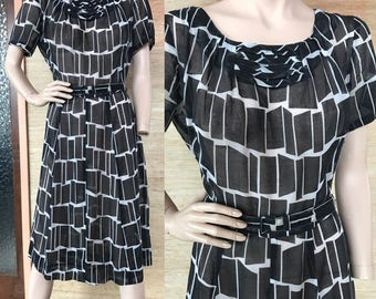1950s black & white geometric print cotton dress (L/XL)