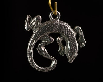 Silver Plated Round Lizard Charm / Pendant 26mm (4) gyb045B