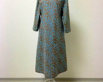 Maxi Dress  / Long Sleeve Day Dress --- European Cat - Blue