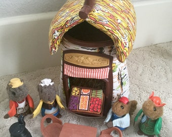 1979 Fisher Price Toy Woodsey Squirrel Puppet Family Log Cabin House Only