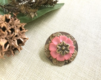 Pink Flower Pin, Floral Brooch, Vintage Button 1950's, Vintage Inspired, Tiny Brooch, Handmade Pin, Lapel Pin, Sweater Pin, Backpack Pin
