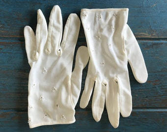 Vintage Ivory Gloves - Nylon- Eyelet Detail - Wear Right Size 6-1/2