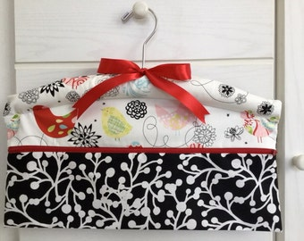 Travel Closet Hanger Safe in Red and White Birds for your Jewerlry, Cash and Accessories