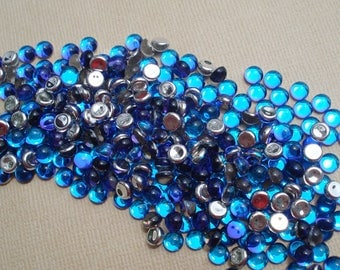 12 Vintage 5mm Bermuda Blue Silver Foiled Flat Back Round Glass Cabs or Stones