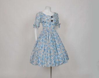 50s dress / Fields of Flowers Vintage 1950's Dress Full Skirt