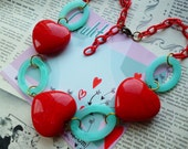 Vintage Valentine... Chunky chain swirled fakelite Hearts 1940s bakelite inspired novelty sweetheart necklace by Luxulite