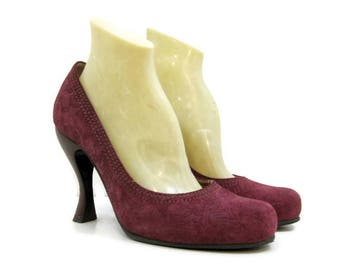 Fluevog Shoes Vintage 90s Pumps Embossed maroon suede high heels 9