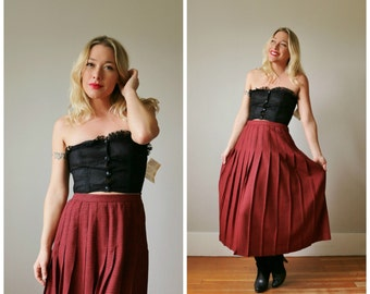 """1980s Red Houndstooth Pleat Skirt >>> Size Small to Medium (28"""" Waist)"""