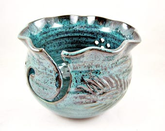 Yarn Bowl, pottery yarn bowl, knitting bowl - In stock