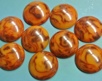 Lot of 9 rare larger vintage 1940s unused thicker round flamy swirled opaque rustybrown/butteryellow genuin tested bakelite cabochons 23 mms