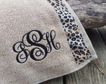Tan - Spa Wrap Towel with SNAPS - Graduation / BRIDESMAIDS / Girls Trip Gifts / New Mom