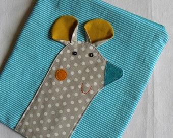 Mouse pouch on AQUA BLUE stripes