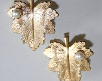 Sarah Coventry Gold Leaf and Pearl Earrings