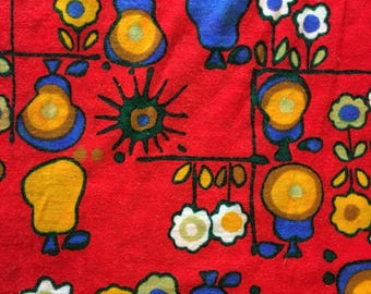 1 1/2  yards 52 wide vtg 70s floral fruit print knit jersey fabric