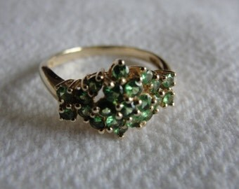 peridot and 10k yeoolw gold ring size 7