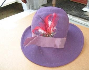 Vintage Chelton  100% wool purple ladies hat