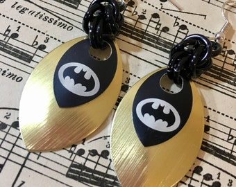 BATMAN Chainmaille and Scalemaille Earrings in Gold and Black