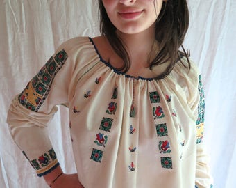 Antique Romanian Blouse / Peasant Top Hand Embroidered in Cotton Size Large