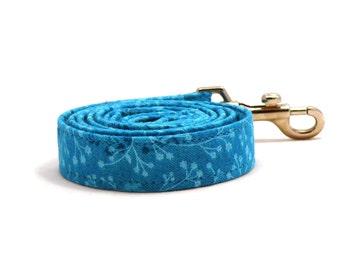 Blue floral dog leash - Turquoise pet lead - Turquoise floral pet leash - Le Grand Bleu