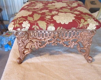 Vintage Foot Stool  --Cast Iron Base with Open Filigree Design -- Victorian style -- L@@K
