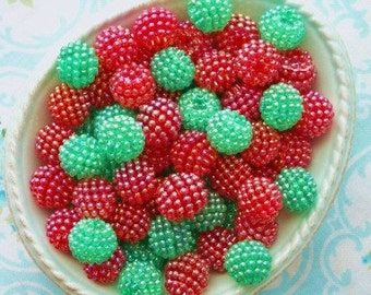 Berry Beads - Christmas Mix - 15mm - Set of 20