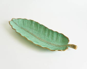 Vintage 50s 60s Large Leaf Ceramic Tray California Pottery / Sea Foam Green Gold Speckled Mid Century Retro Home Decor Serving Bowl Dish