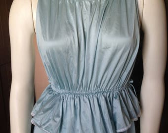 adorable blue vintage vassarette nightgown